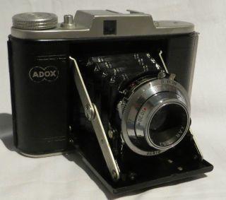 Adox Golf,  Bj.  1954,  Für Rollfilm 120/6x6,  Obj.  Adoxar 1:6,  3 - F.  75mm - Bild
