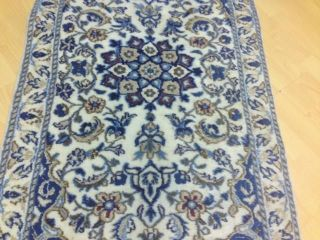 Handgeknüpfte Orientteppich Nain Rug Tapeto Ca 136x68 Cm (l 633) Bild