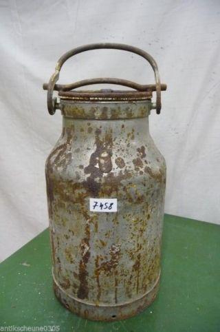 7458.  Alte Milchkanne Eisen Old Milk Can Bild