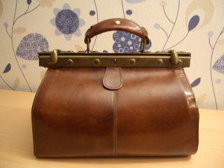 Vintage Ledertasche Arzttasche Doktor Reisetasche Kleine Leder Tasche. Bild