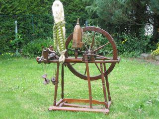 Altes Holz - Spinnrad Bild