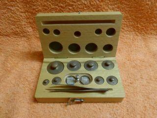 Reisegewichte Mit Pinzette In Verschließbarer Holzkiste - 5 Mg - 50 Gr. Bild