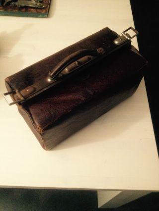 Sehr Alte Arzttasche Hebammentasche,  Jahrhundertwende ? Leder Dachbodenfund Bild