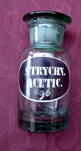 Antike Apothekerflasche,  Mit Der Aufschrift: Strychn.  Acetic.  496 Bild