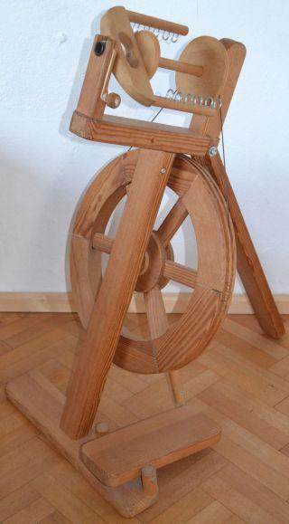 Spinnrad Von Lukow In Maitenbeth,  Kugelgelagert,  Massivholz,  Modern,  Klappbar Bild