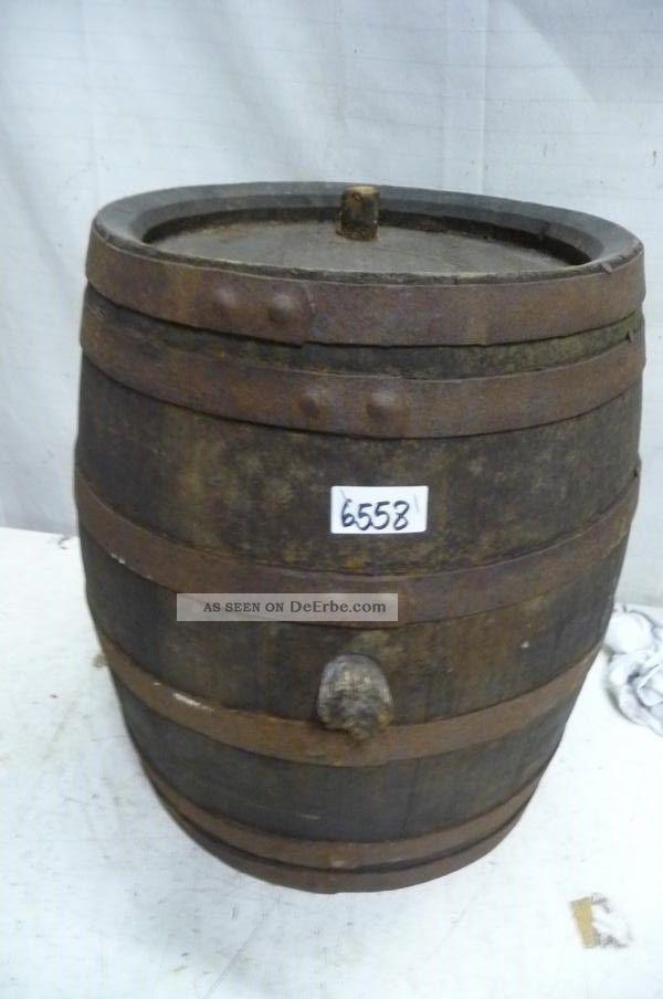 6558.  Altes Holzfass Fass Weinfass Old Wooden Barrel Bauer Bild