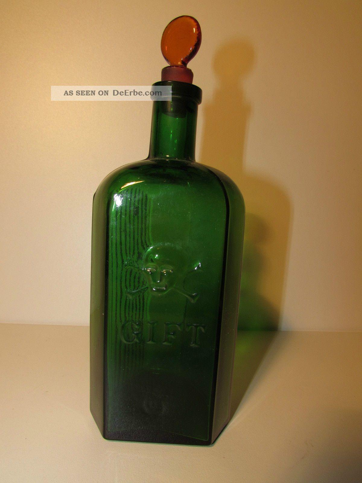 sehr alte totenkopf gift flasche aus glas. Black Bedroom Furniture Sets. Home Design Ideas