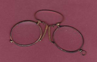 Antike Brille - Nasenzwicker - Gut Erhalten - Schöne Patina - Lederetui Bild