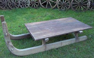 Uriger Holz Schlitten - Lastenschlitten - Transportschlitten Bild