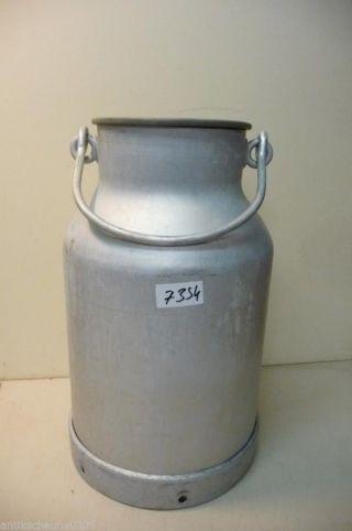 7354.  Alte Milchkanne Aluminium Alu Old Milk Can Bild