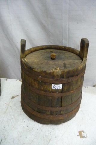 6593.  Altes Holzfass Fass Weinfass Old Wooden Barrel Bild