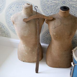 Wunderschöner Großer Antiker Kleiderbügel (2) Aus Frankreich,  Shabby Bild