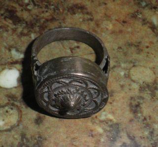 Rar Sehr Alter Ring Aus Silber Für Herren Um 1700 Bild