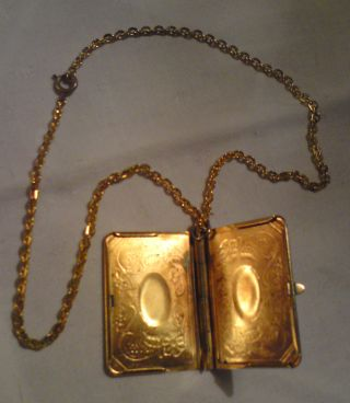 antikschmuck schmuck accessoires ketten perlen antiquit ten. Black Bedroom Furniture Sets. Home Design Ideas
