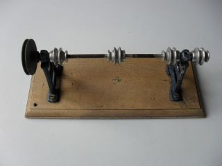 Antriebsmodelle,  Kinderspielzeug,  Werkzeug,  Modelle,  Altes Spielzeug Metall. Bild