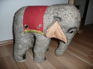 Altes Spielzeug Kuscheltier Großer Zirkus Elefant Bild