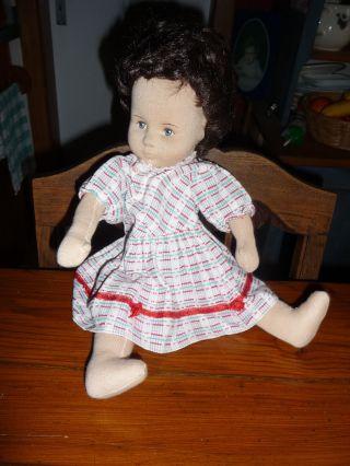 Handgefertigte Stoffpuppe,  Sitzend,  Mit Kleid,  Ca.  35 Cm. Bild