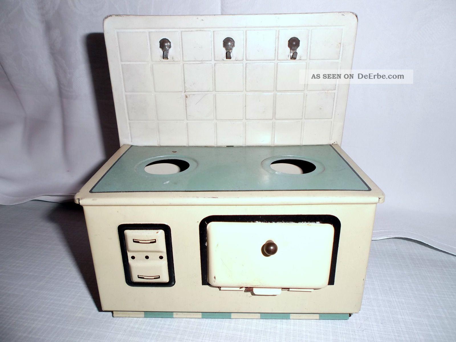 blechspielzeug ofen herd mit r ckwand alt cremfarbe gr n ofenplatte15x8 cm. Black Bedroom Furniture Sets. Home Design Ideas