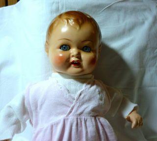 Sehr Schöne Masse Baby Puppe Mit Schelmaugen Bild