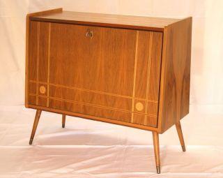 Design stil 1950 1959 mobiliar interieur for Schuhschrank 50er jahre
