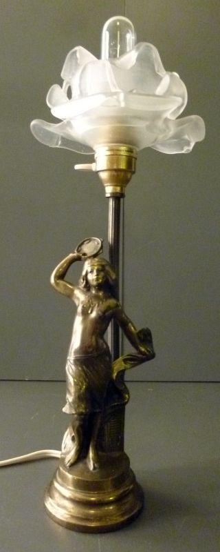 Jugendstil Lampe Tischlampe TÄnzerin Tamburin Schirm Matte Glasblüte Metallguss Bild