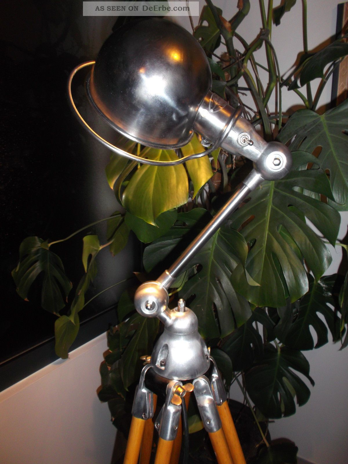 jielde tripod stehlampe stehleuchte dreibein holz stativ. Black Bedroom Furniture Sets. Home Design Ideas