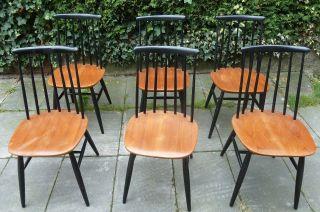 6 Stühle Und Tisch Von Haga Fors.  Entwurf: Tapiovaara Bild