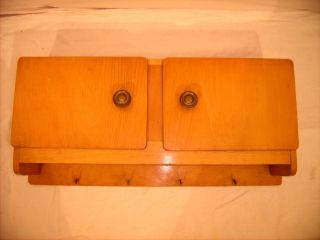 Küchenhängeschrank/ Badhängeschrank 50er/60er Jahre Mit Handtuchharken Bild