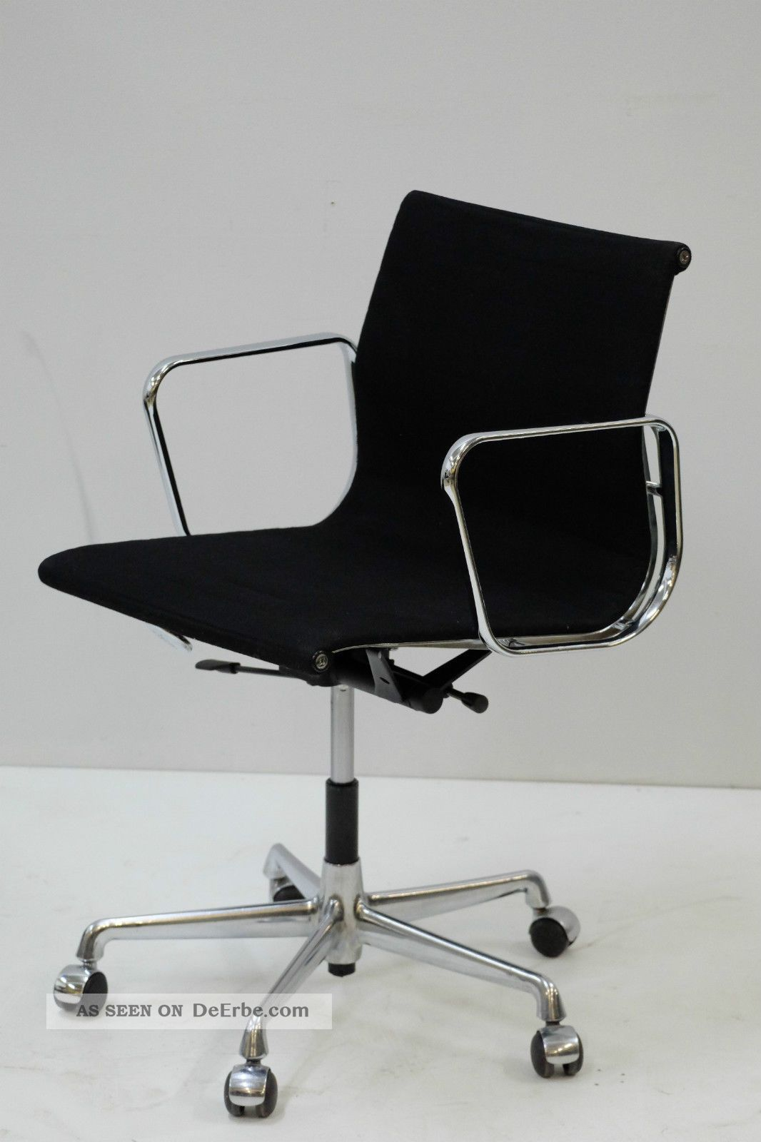 vitra ea 117 eames b rostuhl hopsak schwarz chrom top neue gasdruckfeder. Black Bedroom Furniture Sets. Home Design Ideas