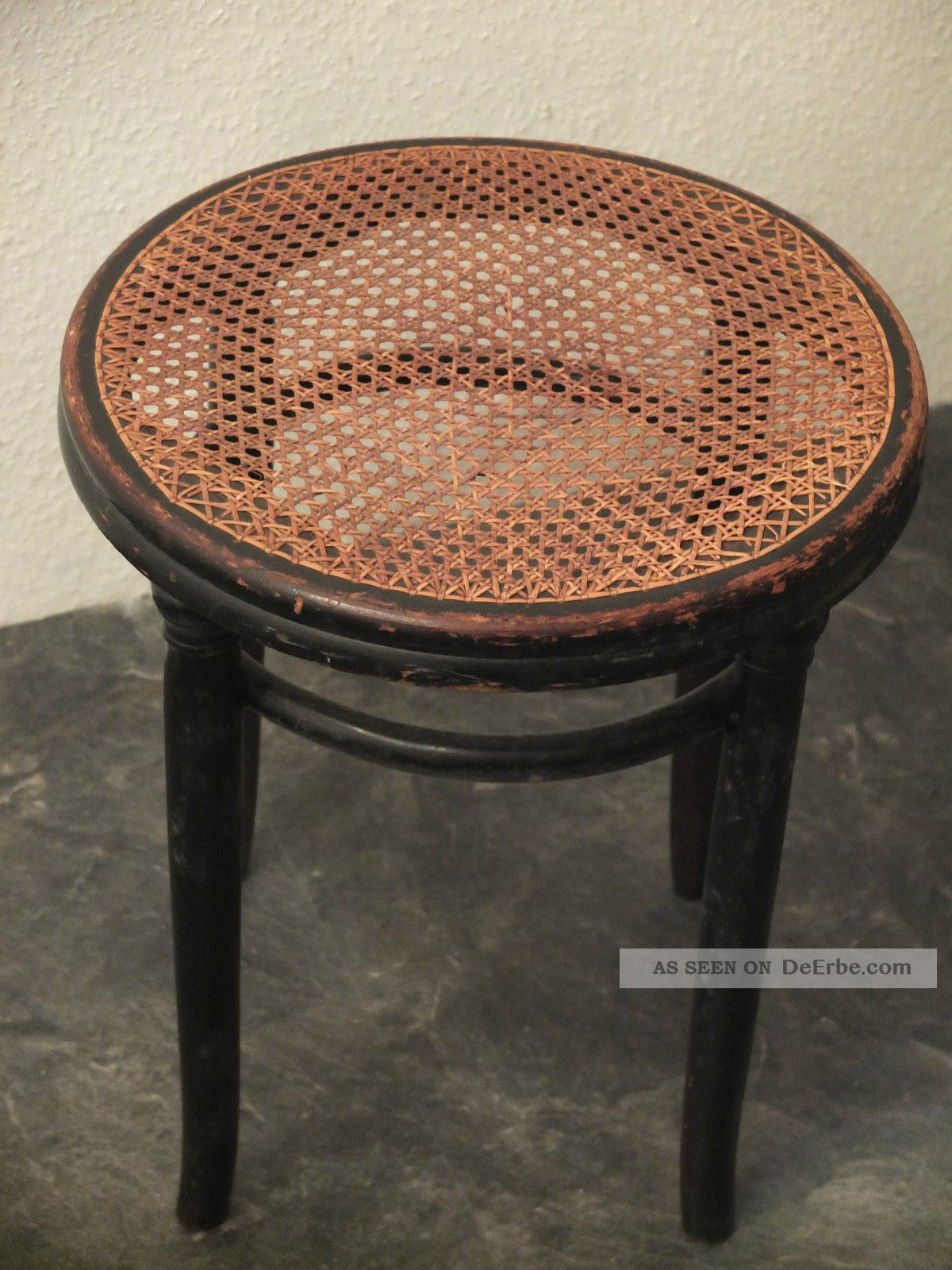 thonet hocker mit geflecht kaffeehaus stuhl bugholz mit stempel. Black Bedroom Furniture Sets. Home Design Ideas
