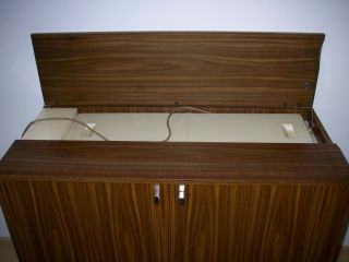 Design stil 1960 1969 mobiliar interieur for Kommode flach