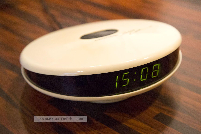grundig sono clock 100 radiowecker 70 80er jahre ufo design retro. Black Bedroom Furniture Sets. Home Design Ideas