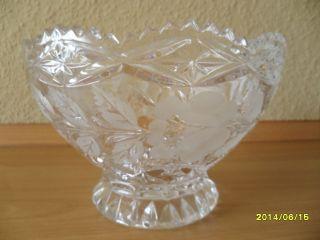 kristallschale mit fuß alt