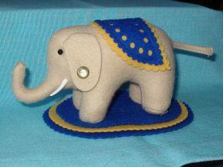 Steiff Elefant Filzelefant Als Nadelkissen 1984 - 1987 Ean 400025 Bild