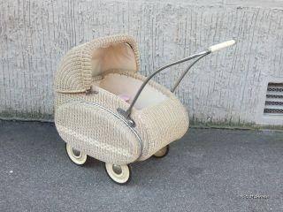 Alter Puppenwagen Korb Mit Puppenwagengarnitur 40er - 50er Jahre Bild