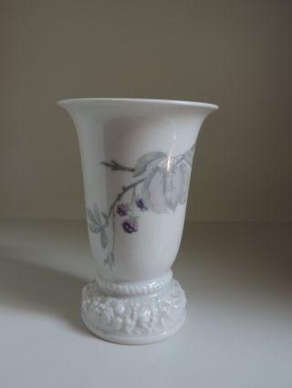 Rosenthal,  Maria,  Vase,  Brombeere,  Höhe 14,  5 Cm Bild