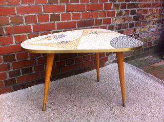 Cocktail Tisch 50er Jahre Mit Holz Beinen,  Nierentisch Mit Mosaik Nähe Hh, Bild