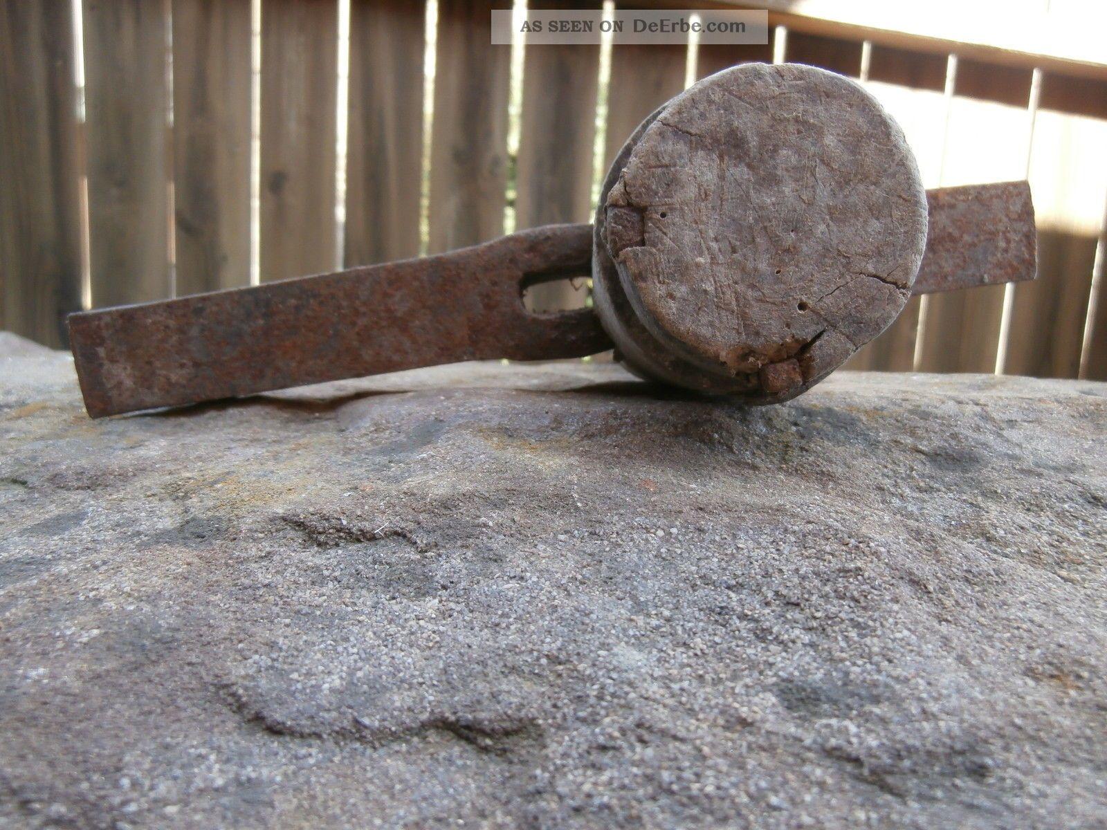altes werkzeug bergmann steinmetz meisel zum bearbeiten von m hlsteinen. Black Bedroom Furniture Sets. Home Design Ideas
