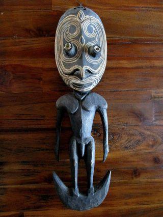 Figürlicher Aufhängehaken Haken Papua Neuguinea Iatmul Sepik Bild