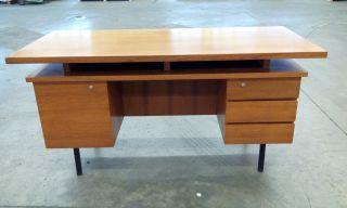 Großer Teak Schreibtisch Tisch Aus Den 50er / 60er Danish Design Bild