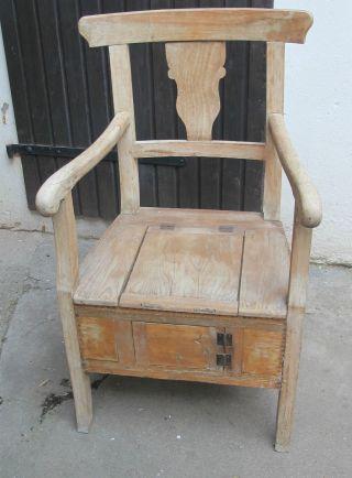 Biedermeier Weichholz Buche Armlehnstuhl Truhe Küchenbank Stuhl Sessel Antik Bild