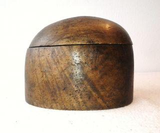 Antike Hutform Holzkopf Holz Rundkopf Hatblock.  Zweiteilge Hutform. Bild