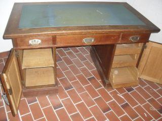 Schreibtisch Aus Den 1920 Bis 1930 - Antiker Tisch - Bürotisch Bild