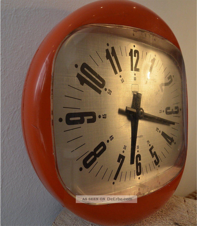 70er spaceage wanduhr shg orange clock pop plastic. Black Bedroom Furniture Sets. Home Design Ideas