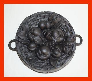 Alte Seltene Backform - Früchte Aus Gusseisen (4427) Bild