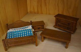 Antikspielzeug puppen zubeh r puppenstubenzubeh r for Antike schlafzimmer