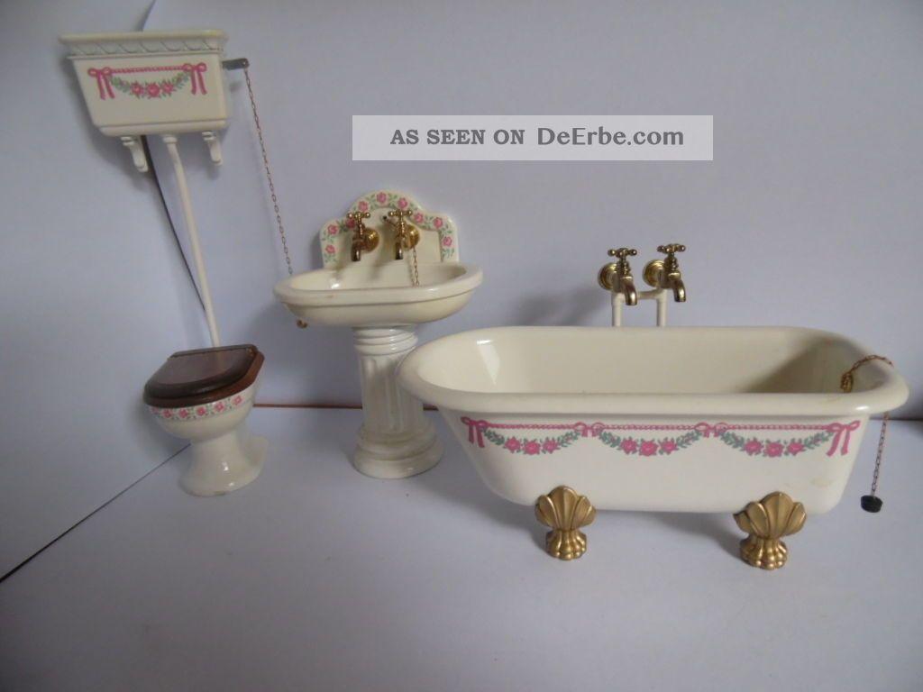 Bodo Hennig Badezimmer Bestehend Aus Wc Waschbecken Und Badewanne