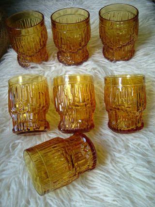 9 X Gläser Trinkglas Pressglas Bernsteinfarben Italy 70er Bild