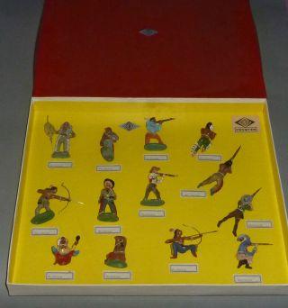 Alter Fröha Musterkarton Wild West Figuren 9 Indianer 4 Cowboys Bild