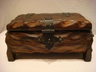 Alte Holzkästchen Schatzkästchen Schatztruhe Holzschnitzerei Rar - Dachbodenfund Bild